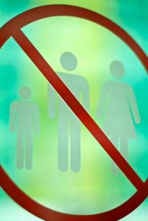 no entrance: Registrarse no hay entrada para hombres, mujeres y ni�os Foto de archivo