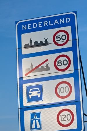 immigrate: Welcome road sign when entering Holland with maximum speed limits