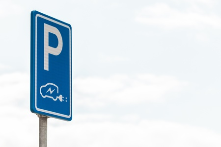 accu: Dutch blue with white sign for charging an electric vehicle