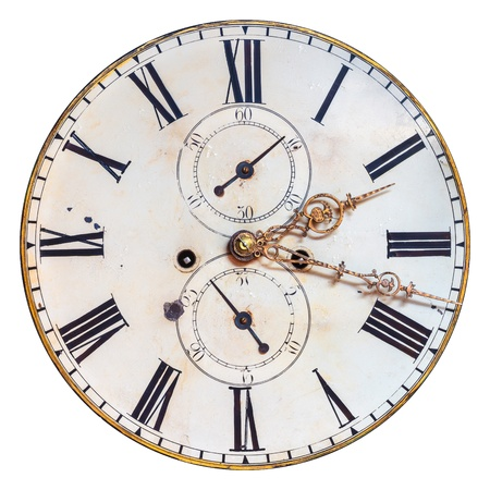 Cadran de l'horloge ornementale antique avec chiffres romains isolé sur un fond blanc Banque d'images