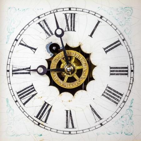 numeros romanos: Vendimia reloj blanco con n�meros romanos Foto de archivo