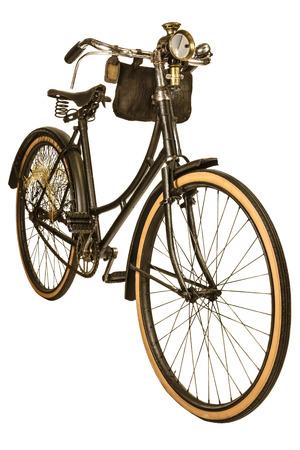 Retro gestileerde afbeelding van een negentiende-eeuwse fiets met lantaarn geïsoleerd op een witte achtergrond