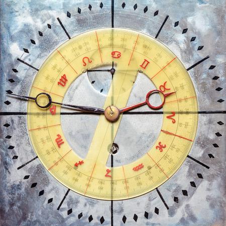 astrologie: Weinlese-Stahl Zifferblatt mit Astrologie und Astronomie Wahl
