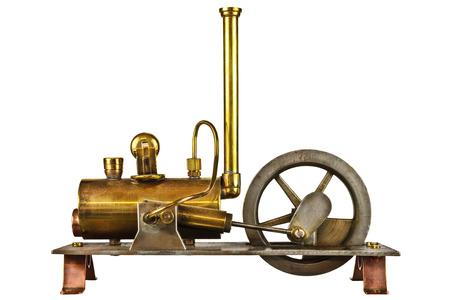 白い背景に分離されたヴィンテージの蒸気エンジン