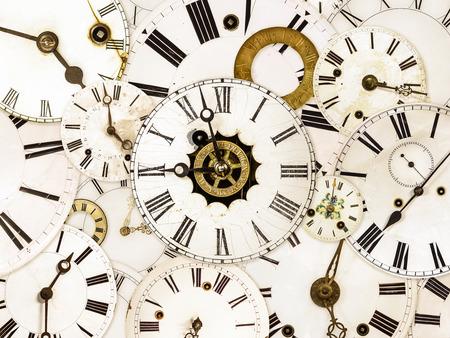orologi antichi: Grande insieme di diversi volti di orologio d'epoca Archivio Fotografico