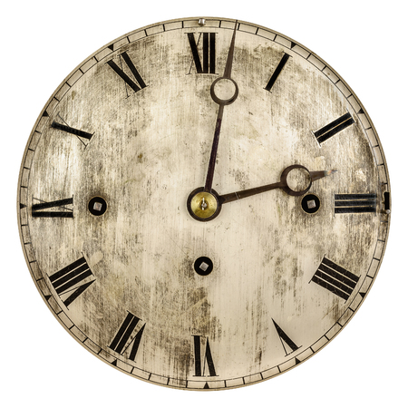 흰색 배경에 고립 된 오래 된 시계 얼굴의 세피아 톤 이미지