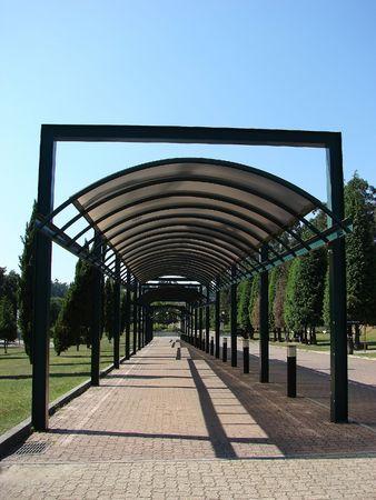 parallelism: Pass corridor and metal roof
