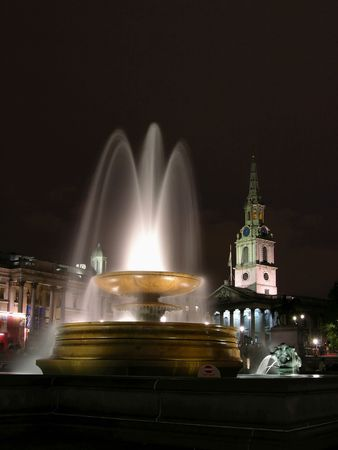fountain - Trafafalgar Square by night, church st. Martin in the fields, museum National Gallery,