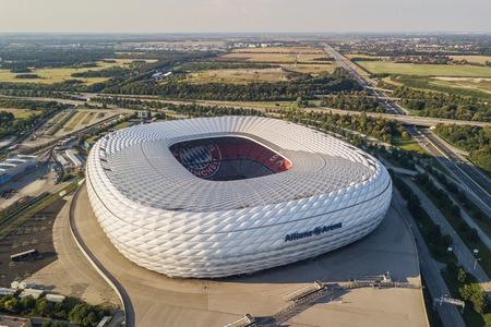 Luftaufnahme der Allianz Arena in München