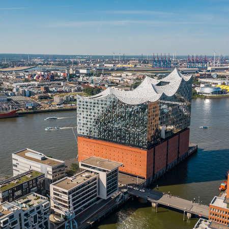 Aerial view of Elbphilharmonie in Hamburg 에디토리얼