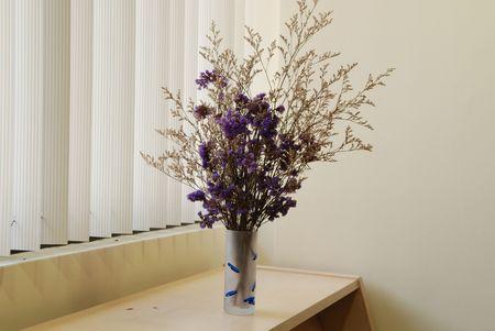 fiori secchi: fiori secchi sulle tavole Archivio Fotografico