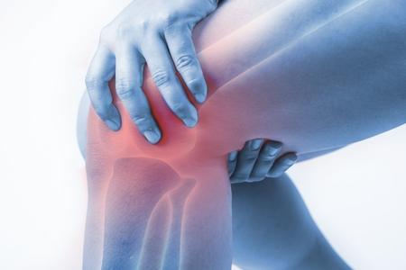 Knieverletzung beim Menschen .knee Schmerzen, Gelenkschmerzen Menschen medizinisch, Mono Ton Highlight am Knie Standard-Bild - 75501730