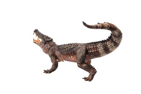 Kaprosuchus, dinosaurio sobre fondo blanco.