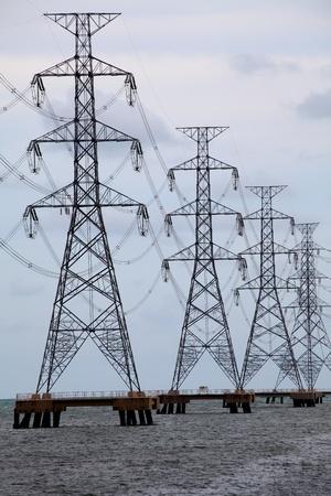 Electrical towes acoss sea Zdjęcie Seryjne - 9803624