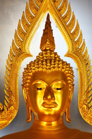 Golden buddha head statue in Thailand Stock Photo - 11040248