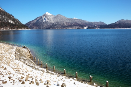 An image of the Walchensee in Bavaria Germany covered in snow Zdjęcie Seryjne