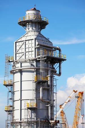 Processing column for offshore platform under construction