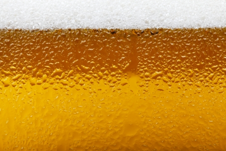 Close-up picture of a beer with foam and bubbles Zdjęcie Seryjne - 25117735
