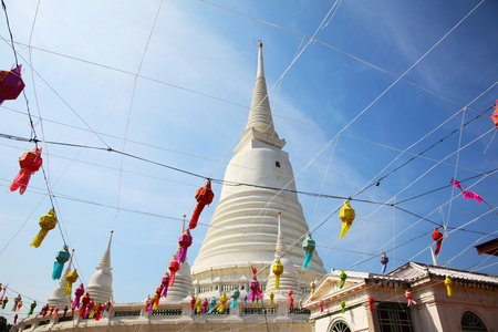 White Pagoda at Wat Prayoon in Bangkok, Cultural Heritage Conservation Award of Excellence by Unesco Zdjęcie Seryjne - 35066404
