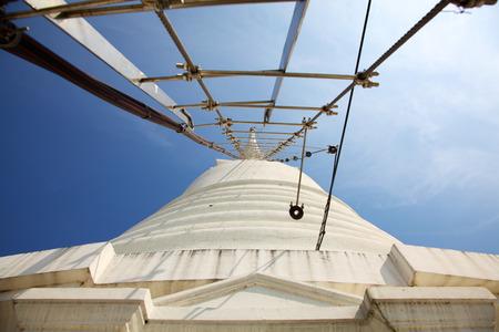 Ladder to Top of White Pagoda at Wat Prayoon in Bangkok, Zdjęcie Seryjne - 35067916