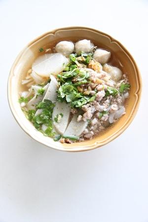 Focus Thai Noodles Soup in write background. Banque d'images