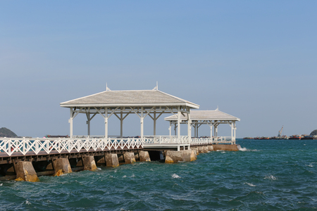 si: Asadang Bridge or wooden Bridge of Koh Si Chang Island Popular tourist destination in Chonburi Province, Thailand.