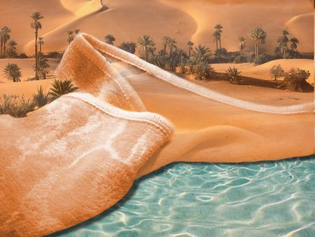 settles: image as a blanket where the sand settles, discovering the sea