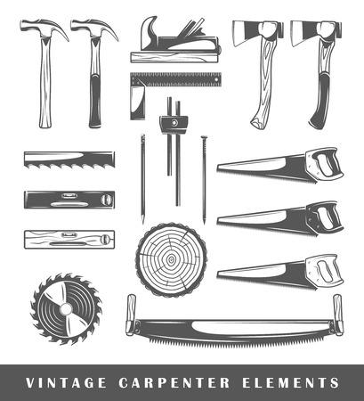carpintero: Elementos de la vendimia carpintero: hacha, u�as, sierra circular, indicador de superficie, de sierra, de nivel, de secci�n, de plano, martillo, l�piz. Conjunto de herramientas de carpintero siluetas aisladas en el fondo blanco. Ilustraci�n vectorial Vectores