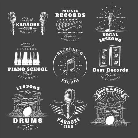 Set of vintage musical labels templates isolated on black background. Elements for music design. Template for logo, signage, branding design. Vector illustration Imagens - 138462615