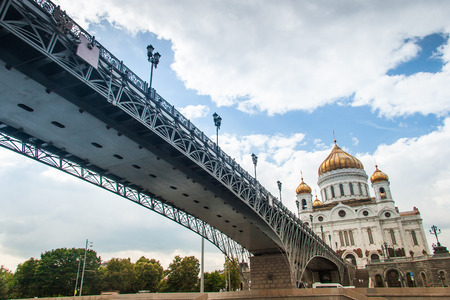 moskva: The Cathedral of Christ the Saviour in summer