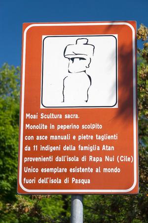 rapa nui: Reg�strate Rapa Nui Estatua de la isla de Pascua en Viterbo, Italia