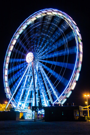 observation wheel: Observation wheel near the beach in Rimini, Italy