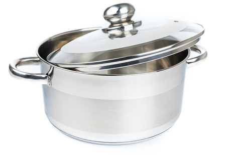 utensilios de cocina: Metal stock pot isolated on white. Cookware Foto de archivo