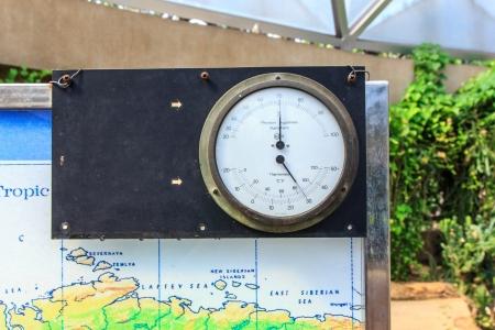 pluviometro: temperatura medida para mostrar tiempo en la c�pula