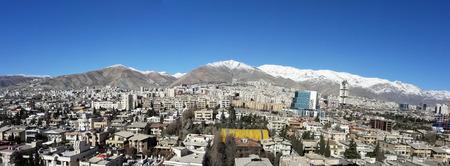 Panoramablick auf teheran Großstadt Hauptstadt des Iran in blauen sauberen Himmel