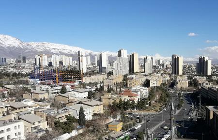 teheran Großstadt Hauptstadt des Iran in blauen sauberen Himmel