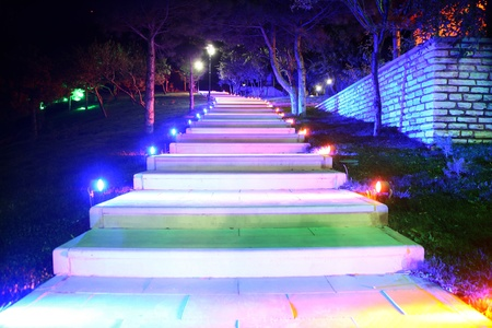LED-lit walking path technology