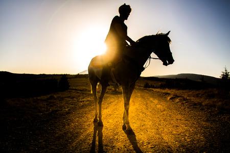 Disfraz de la silueta turca y equitación