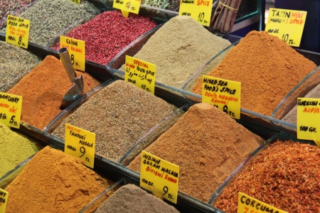 Oriental spices in istanbul market Stock Photo - 13935014
