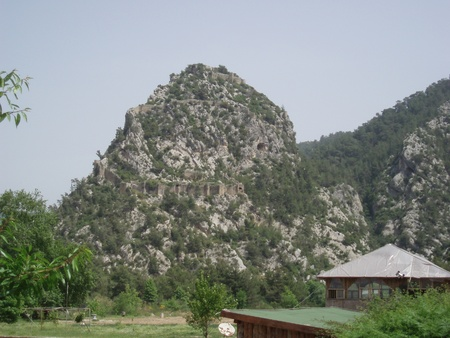 11th century: Conical hill with two rows of walls where was the palace of the Seljuk Sultan Aeladin in the 11th century.