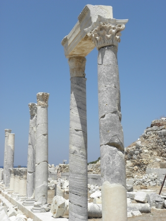 3rd century: Reserved columns of the temple of Dionysus in ancient Knidos from the 3rd century BC