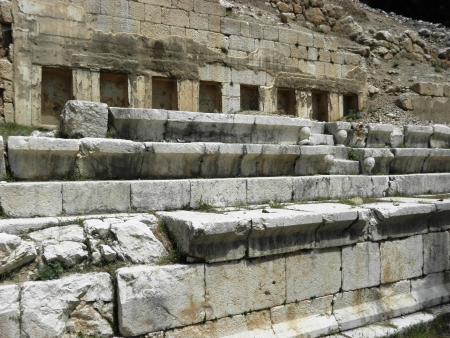 niches: Building with niches located directly behind the seats in the stadium