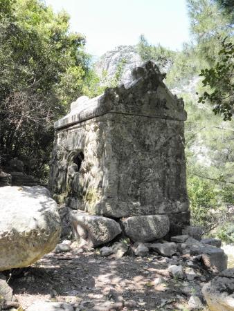 2nd century: Ornate sarcophagus Alkestis the 2nd century AD