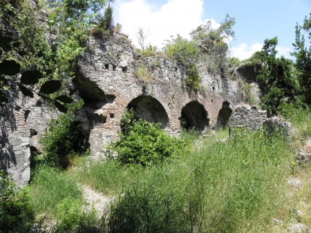 2nd century: Well-preserved parts of the walls of the ancient Roman bath from the 2nd century in the ancient city of Olympos  Stock Photo