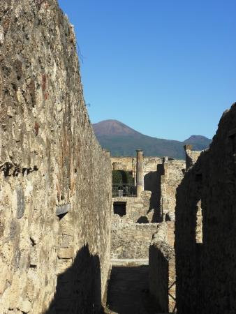 fro: Looking at the well-preserved streets of Roman ancient city Pompeii fro 2th century