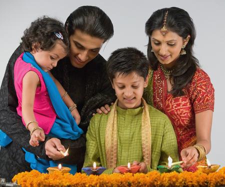kurta: Family celebrating diwali