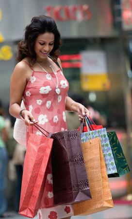 splurge: Woman shopping