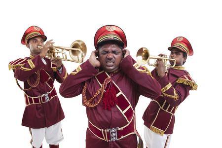 소음에서 귀를 보호하는 Bandwala