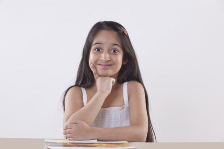Portret van een klein meisje glimlachend royalty vrije foto