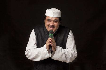 kurta: Portrait of politician giving speech